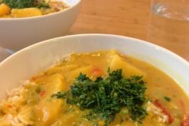 Laktosefreies Curry zubereiten