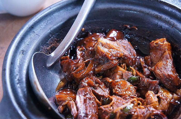 Macht satt und glücklich: Dieses asiatische Rindfleisch ist im Nu zubereitet. © pexels.com