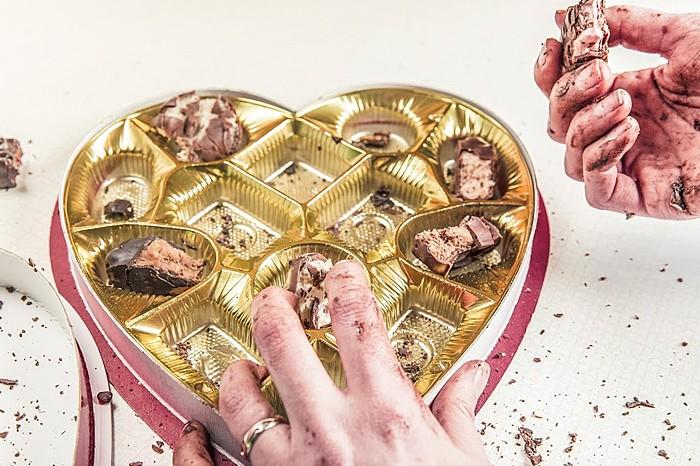 Stress macht dick: Viele verspüren in stressigen Zeiten Heißhunger auf Schokolade. © pixabay.com